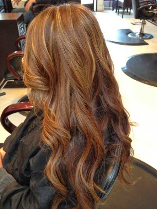 Largos y oscuros peinados rubios de fresa