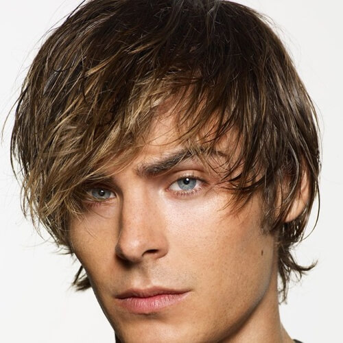 Peinado de surfista para cabello grueso