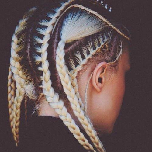 trenzas diosa pelo rubio y negro mujer joven