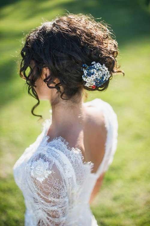 Updos elegantes del pelo de la boda para las novias elegantes