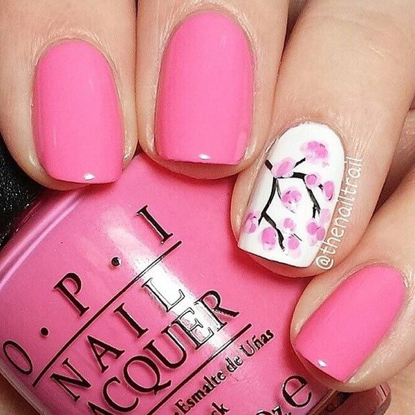 Pink Spring Cherry Blossom Nail Design para uñas cortas.