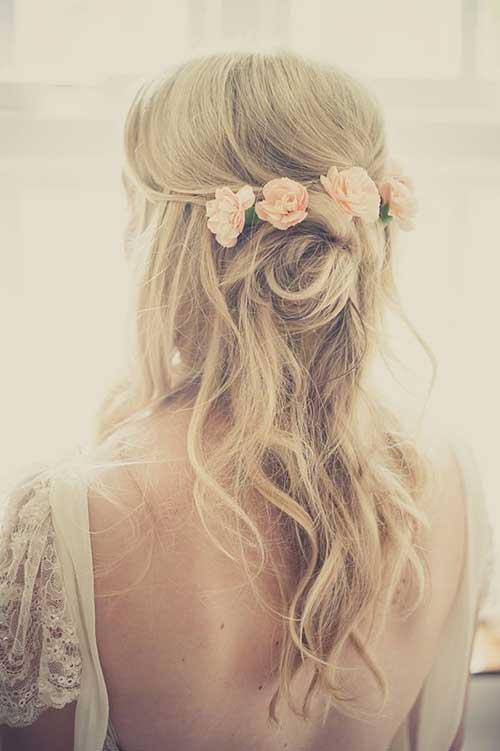 Boda medio pelo con flores