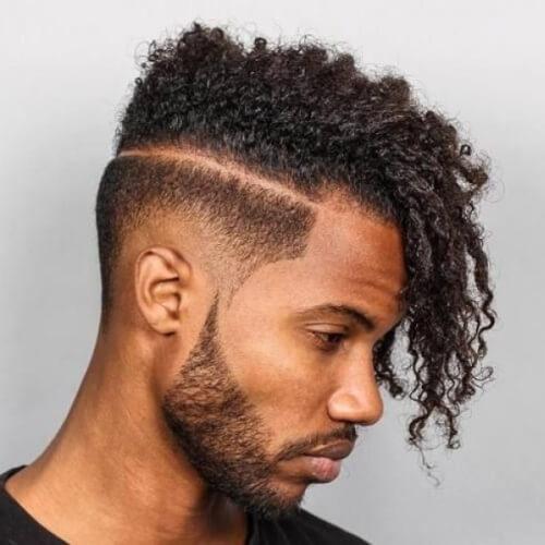 Taper Fade corte de pelo con rizos
