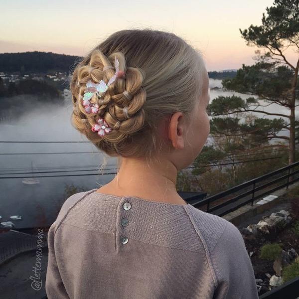 41150916-little-girl-hairstyles