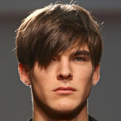 Shaggy Hairstyles para hombres con flequillo largo