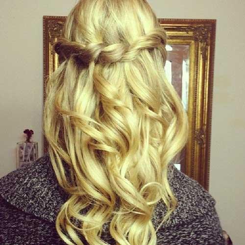 Preciosos peinados de pelo hasta la fiesta de graduación