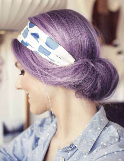 pelo púrpura del hairdo de la vendimia