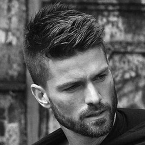 Peinados fáciles y buenos para hombres con cabello grueso