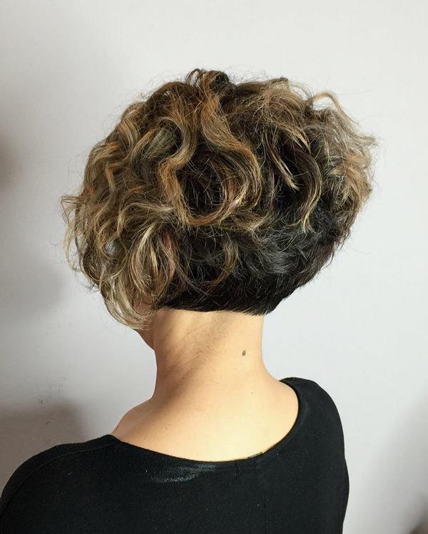 38280816-short-rizado-hairstylestwotoneshortcurlybob