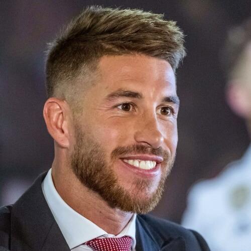 Sergio Ramos corte de pelo para hombres con cabello grueso