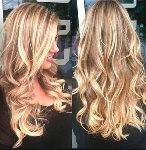 Bonito cabello largo hermoso en capas