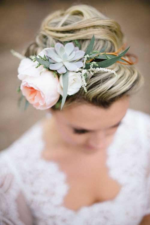 Bollos de coronas florales para cabello largo