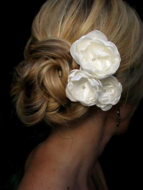 Bonitos peinados de boda con flores