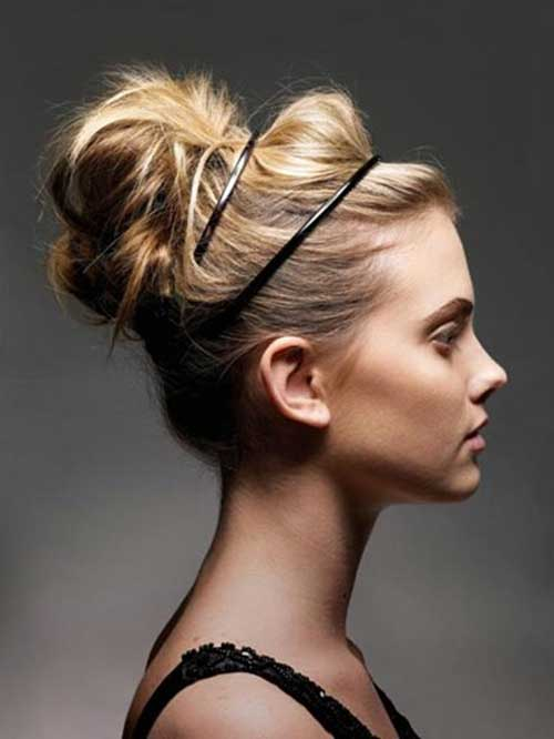 Blonde Messy High Bun para Bodas