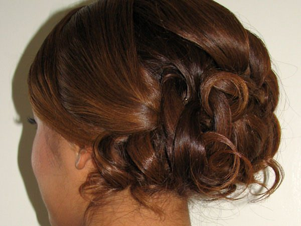 16easy-updos-for-long-hair-100416