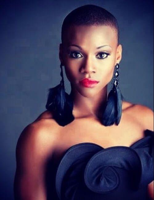 Peinados cortos artísticos para mujeres negras