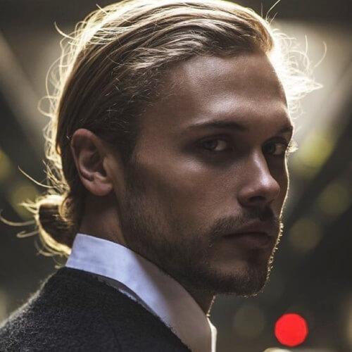 Peinado de moño hombre formal