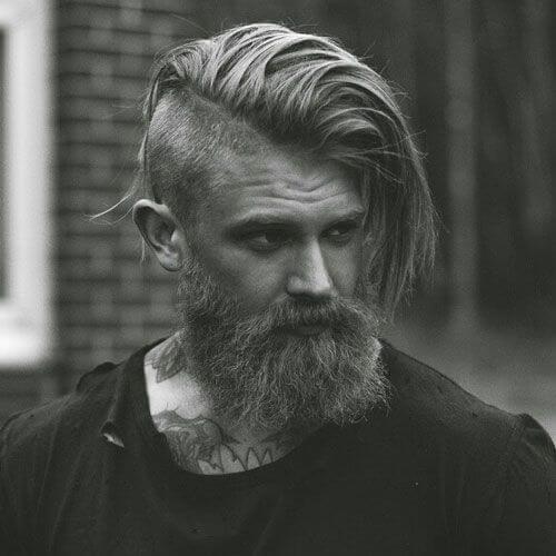 Peinados recortados para hombres con pelo largo y grueso