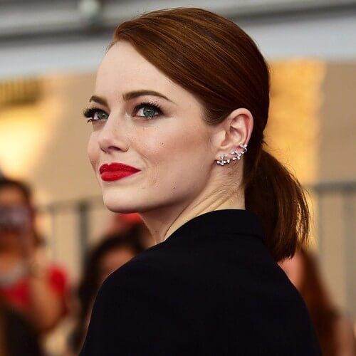 Emma stone pelo castaño rojo color mujer peinados