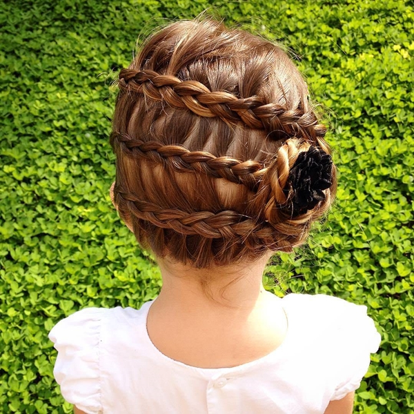 51150916-little-girl-hairstyles