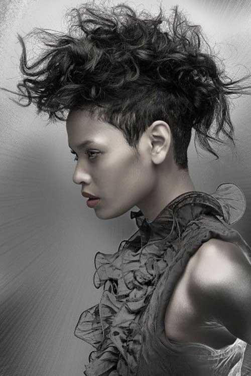 Peinados punk para el pelo rizado
