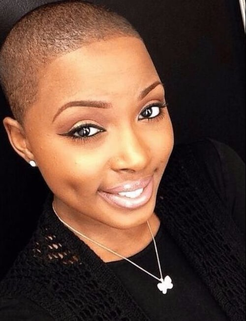 peinados cortos afeitados para mujeres negras