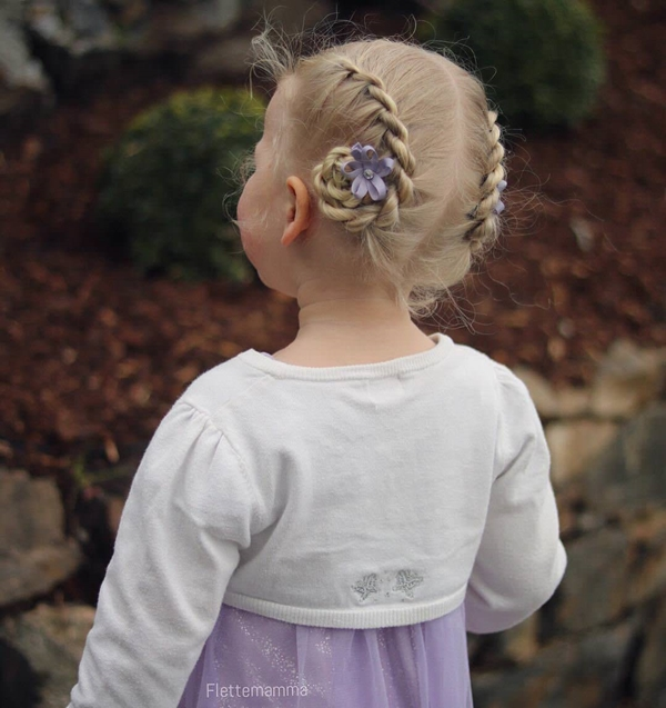 31150916-little-girl-hairstyles