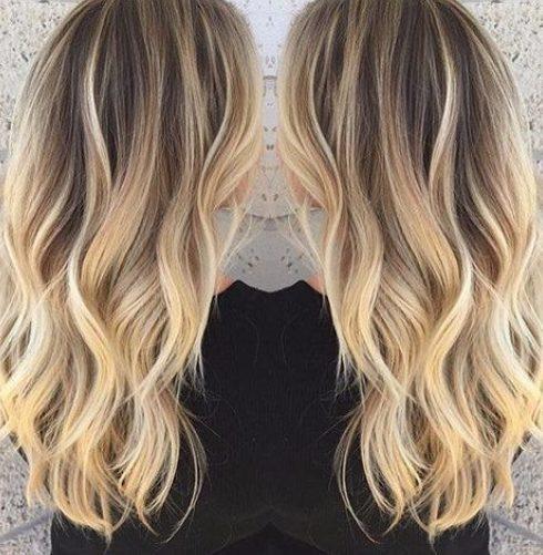 color de cabello rubio claro balayage jengibre