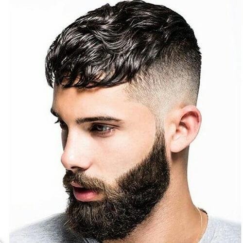 Peinado corto ondulado