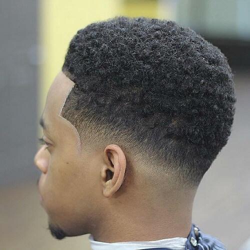 Cortes de pelo afro a corto para hombres