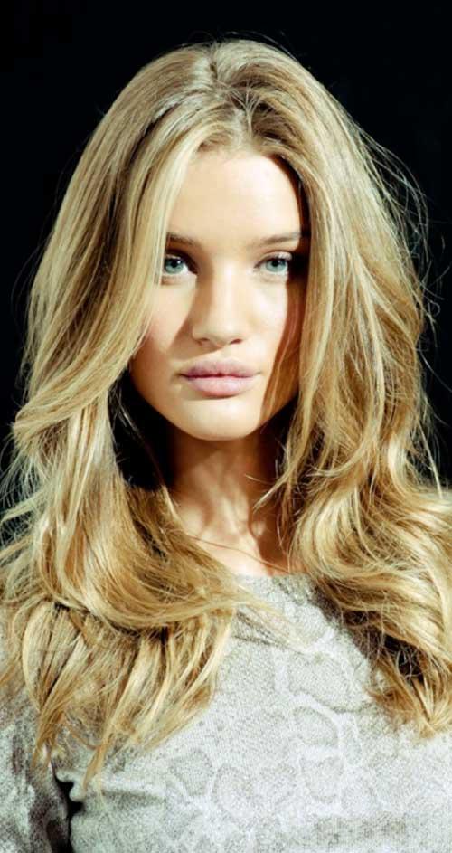 Rosie Huntington Whiteley peinados dorados rubios