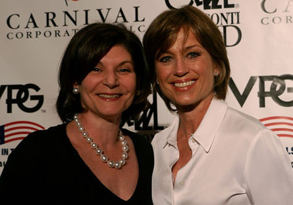 8280816-dorothy-hamill-haircut