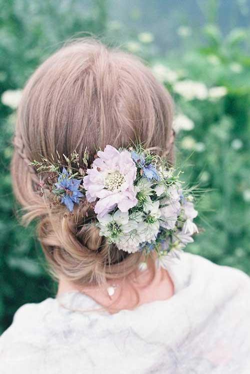 Flores en el cabello para imágenes de boda
