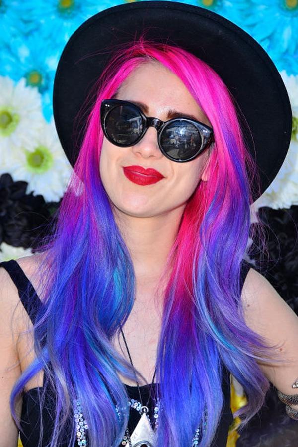 15250816-purple-hair