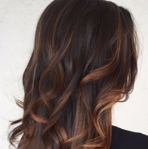 color chocolate y caramelo balayage