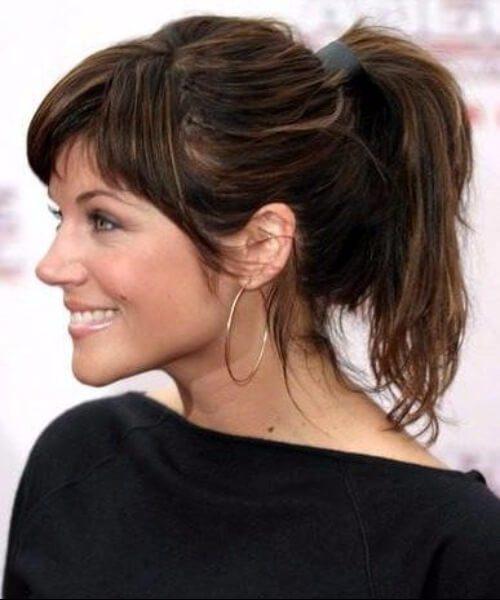 Tiffani Thiessen peinados con flequillo
