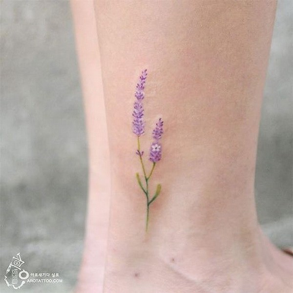 Lavanda flor tatuaje.