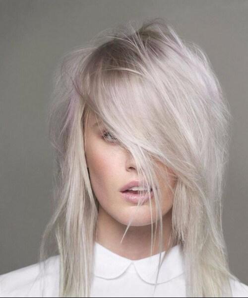 corte de pelo de pelusa rubia platino