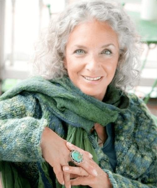 peinados bob rizados para mujeres mayores de 50 años