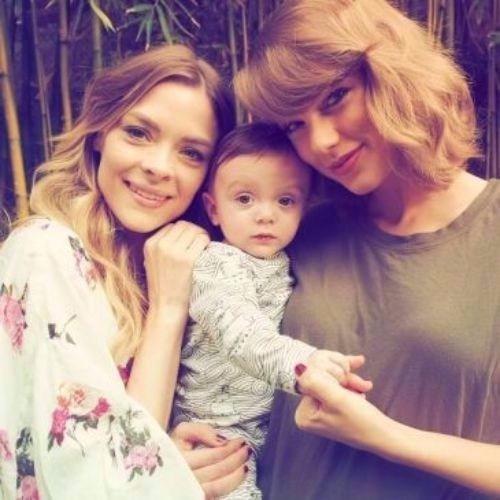 cabello rubio ceniza Taylor Swift