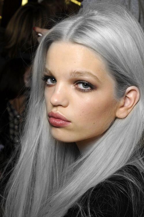 supermodelo recta cabello gris