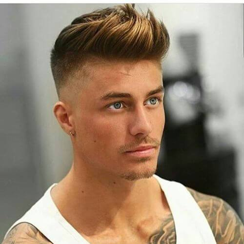 peinados de copete de lados desvaídos para hombres con cabello fino