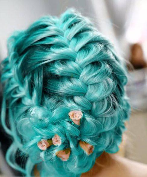 peinados de boda verde azulado para cabello largo