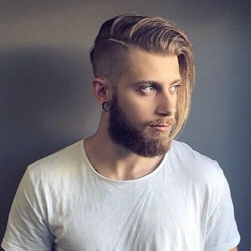 Corte de pelo de flujo con lado afeitado