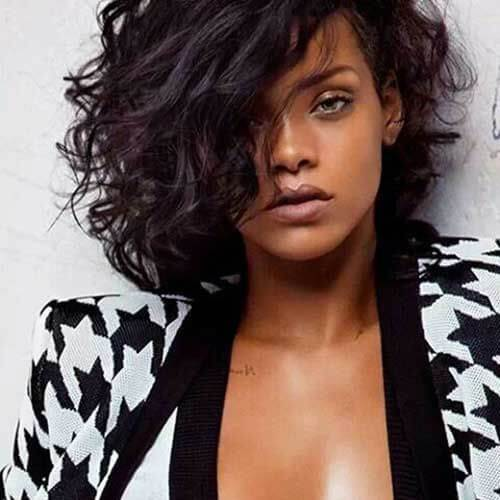 Rihanna cortes de pelo corto para pelo rizado