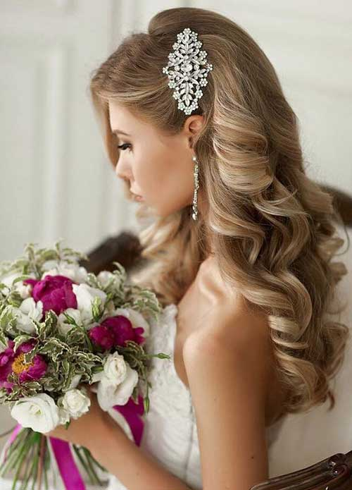 Estilos de cabello de boda para cabello largo-21