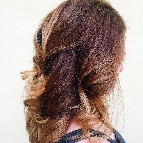 reflejos de caramelo en el cabello de caramelo
