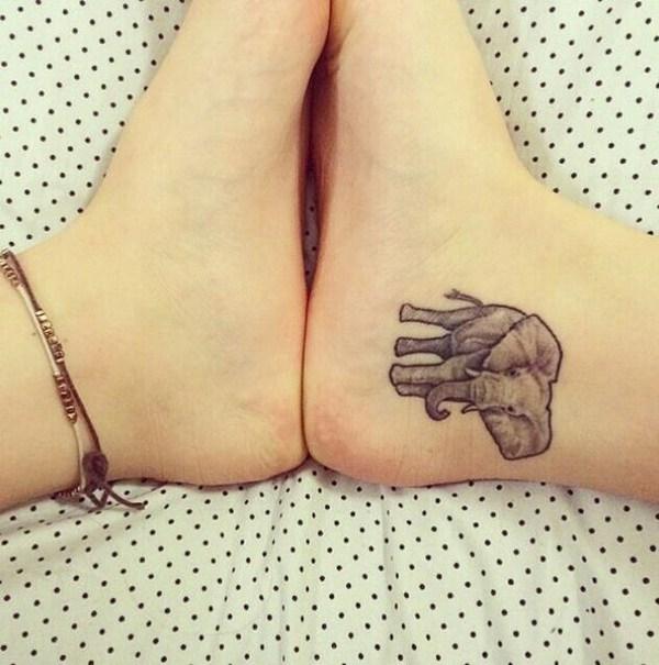Tatuaje de tobillo elefante.