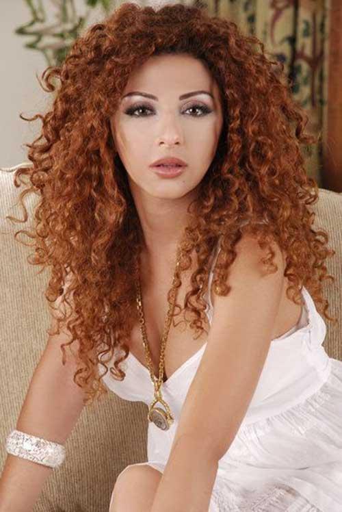 Myriam Fares pelo rizado largo en capas