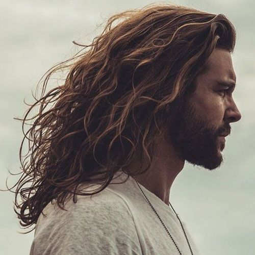 beachy side parted hairstyles largos para hombres
